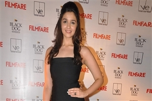 Beautiful Look in Black Dress Alia Bhatt HD Wallpaper